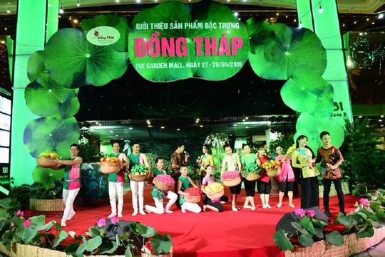 Tưng bừng khai mạc sự kiện hội tụ sản vật Đồng Tháp tại TP HCM - Ảnh 9.