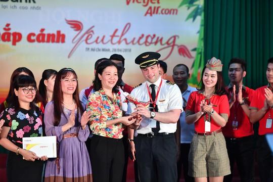 CB-NV HDBank, Vietjet chắp cánh ước mơ cho người khuyết tật - Ảnh 2.
