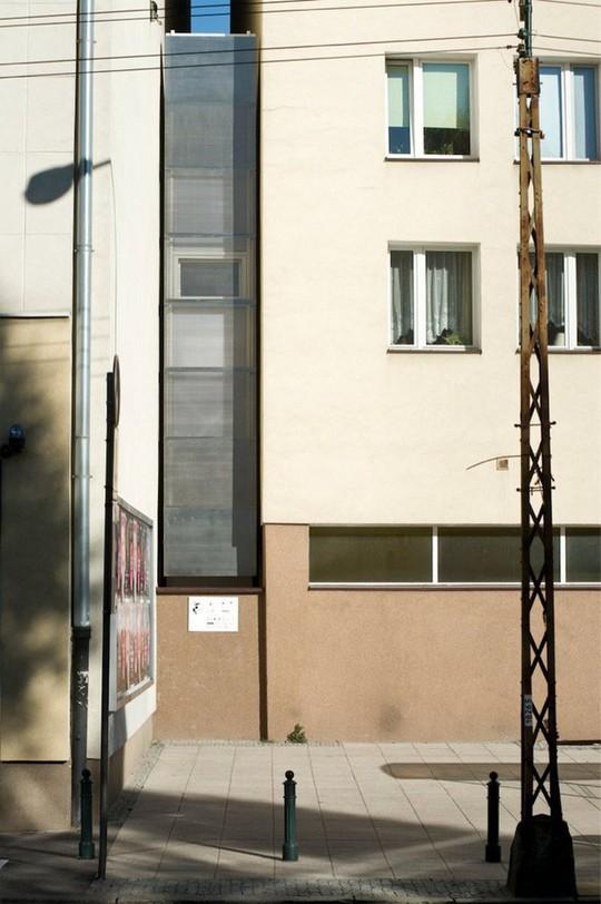 Thiết kế nội thất cực chất ở ngôi nhà hẹp nhất thế giới - Ảnh 1.