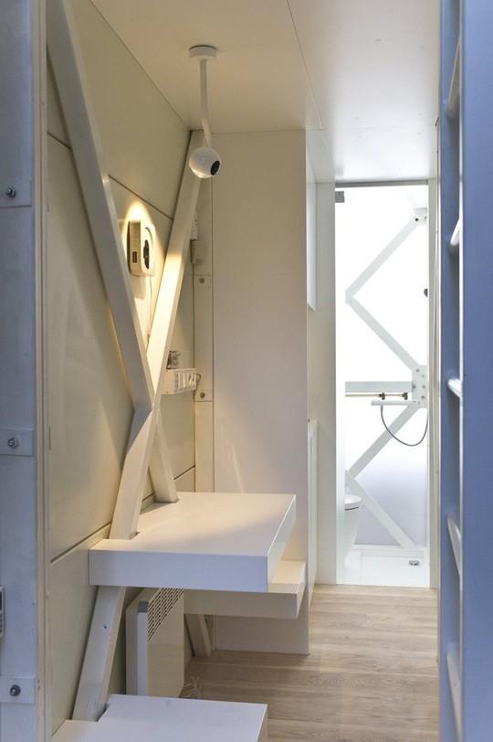 Thiết kế nội thất cực chất ở ngôi nhà hẹp nhất thế giới - Ảnh 9.