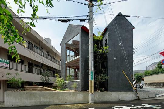 Thích thú ngôi nhà hình nấm bằng gỗ tự nhiên ở Nhật - Ảnh 2.