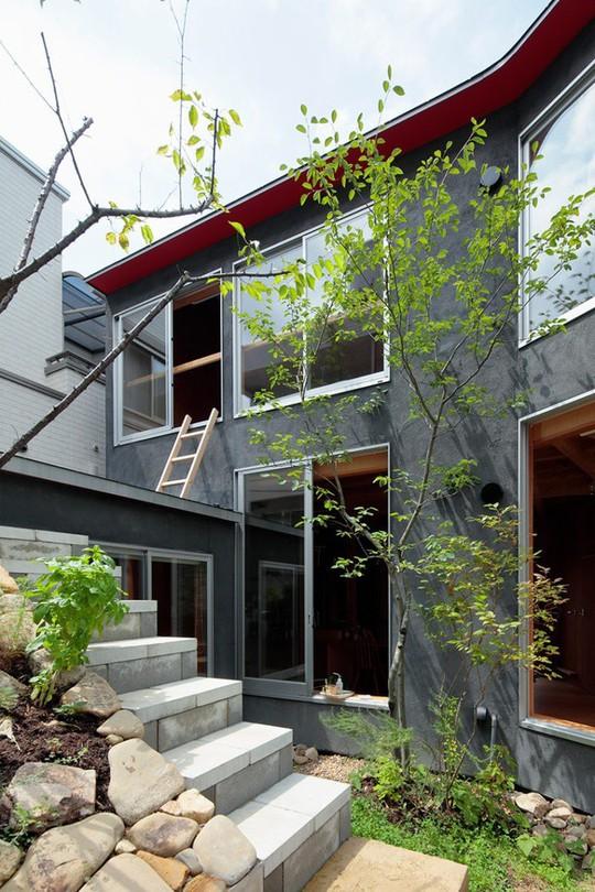 Thích thú ngôi nhà hình nấm bằng gỗ tự nhiên ở Nhật - Ảnh 3.