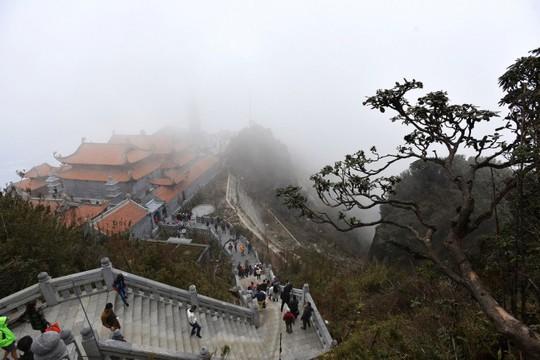 Kim Sơn Bảo Thắng Tự giữa mây ngàn Fansipan - Ảnh 2.