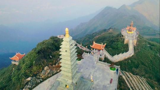 Kim Sơn Bảo Thắng Tự giữa mây ngàn Fansipan - Ảnh 9.