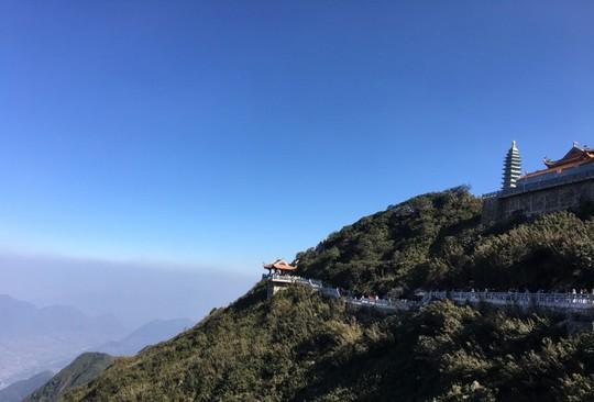 Kim Sơn Bảo Thắng Tự giữa mây ngàn Fansipan - Ảnh 10.