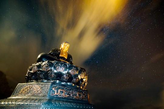 Kim Sơn Bảo Thắng Tự giữa mây ngàn Fansipan - Ảnh 14.