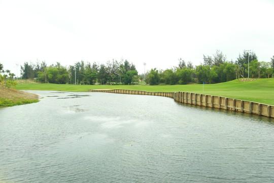 Cuốn hút sân golf phong cách bờ kè đầu tiên tại châu Á - Ảnh 3.