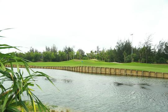Cuốn hút sân golf phong cách bờ kè đầu tiên tại châu Á - Ảnh 4.