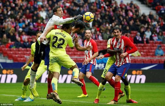 Diego Costa cảm xúc thăng trầm ngày trở về - Ảnh 1.