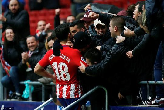 Diego Costa cảm xúc thăng trầm ngày trở về - Ảnh 2.