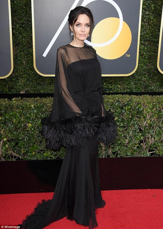 Pax Thiên tháp tùng Angelina Jolie dự Quả cầu vàng - Ảnh 3.
