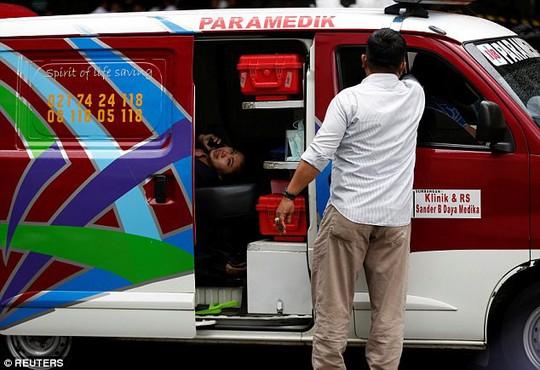 Sập sàn chứng khoán, hơn 70 người bị thương - Ảnh 2.