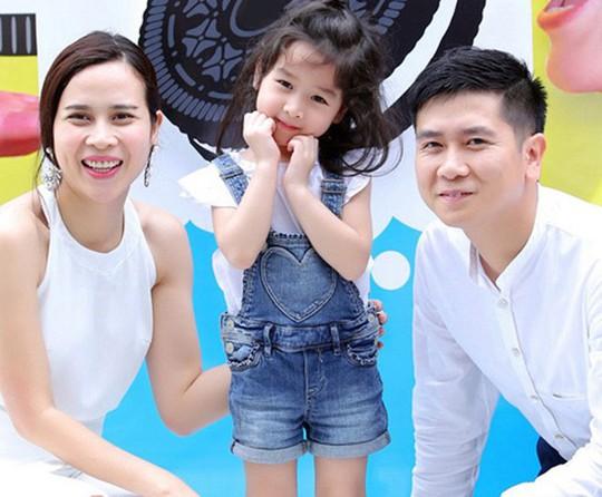 Những cặp đôi chung tình của showbiz Việt - Ảnh 4.