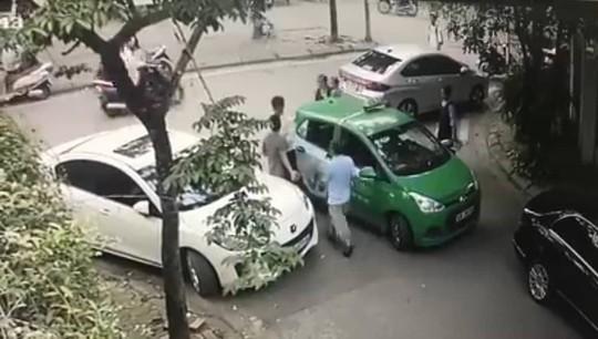 Yêu cầu xử lý theo pháp luật vụ đánh tài xế taxi Mai Linh nhập viện cấp cứu - Ảnh 1.