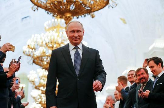 Điện Kremlin lên tiếng về một nhiệm kỳ nữa cho ông Putin - Ảnh 1.