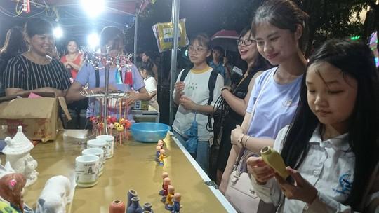 Phố đi bộ Trịnh Công Sơn tràn ngập âm nhạc đêm khai trương - Ảnh 11.
