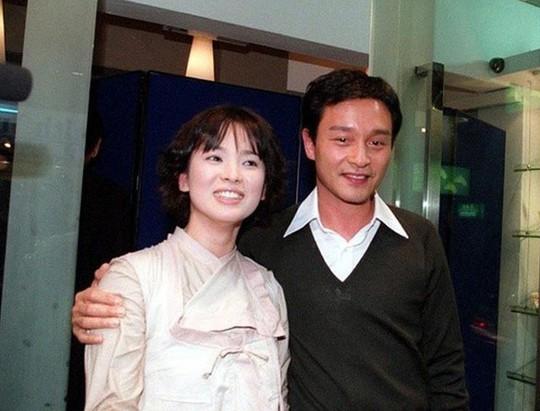 Chùm ảnh quý hiếm của dàn sao TVB - Ảnh 12.