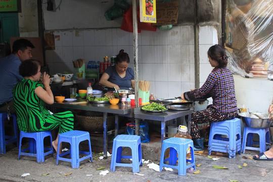 Lạc bước vào ngõ thiên đường đồ ăn Việt khiến du khách mê đắm - Ảnh 13.