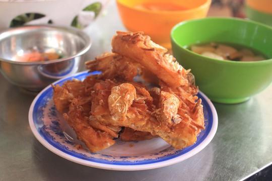 Lạc bước vào ngõ thiên đường đồ ăn Việt khiến du khách mê đắm - Ảnh 6.