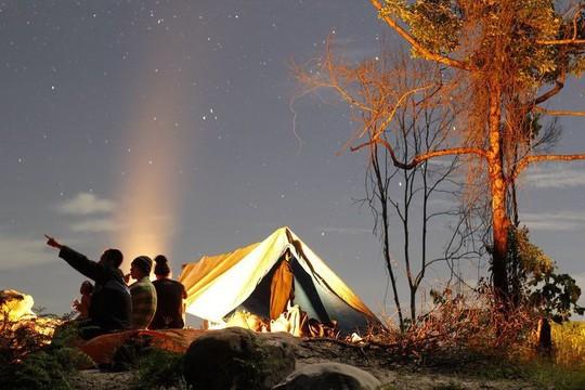 Vẻ đẹp rực rỡ của các khu cắm trại dưới những vì sao - Ảnh 2.