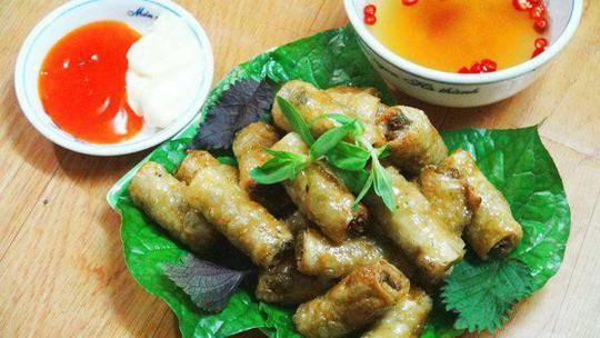 Đến Quảng Bình uống tiết mãng xà biển, ăn gỏi thủy quái - Ảnh 2.
