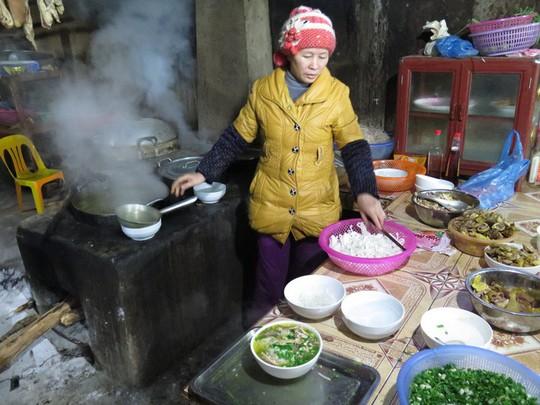 Đến Hà Giang đừng bỏ qua phở gác bếp - Ảnh 4.