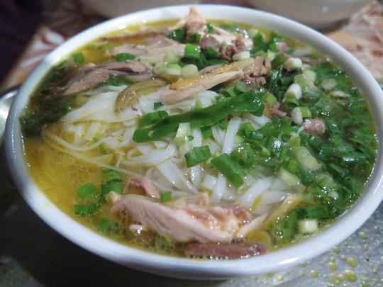 Đến Hà Giang đừng bỏ qua phở gác bếp - Ảnh 6.
