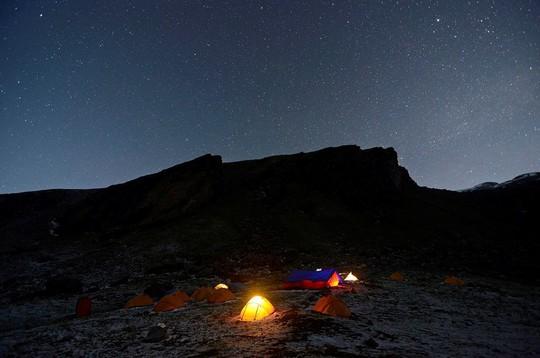 Vẻ đẹp rực rỡ của các khu cắm trại dưới những vì sao - Ảnh 7.