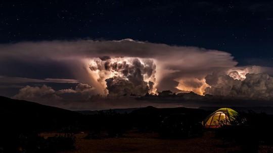 Vẻ đẹp rực rỡ của các khu cắm trại dưới những vì sao - Ảnh 8.