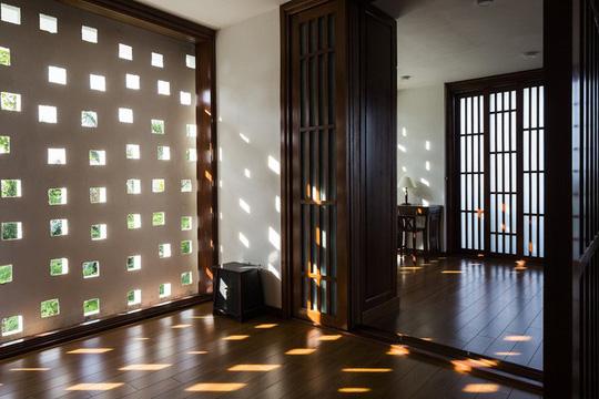 Ngất ngây với ngôi nhà 3 tầng đậm chất kiến trúc Nhật Bản - Ảnh 9.