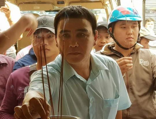 Nghệ sĩ Việt kêu gọi ủng hộ các hiệp sĩ đường phố - Ảnh 1.