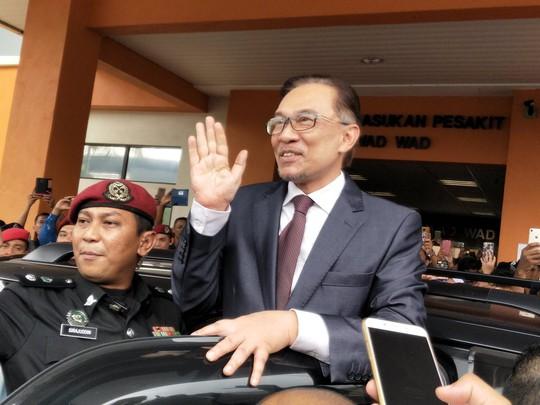 Malaysia: Ông Anwar ra tù, ông Mahathir nắm quyền thủ tướng bao lâu? - Ảnh 2.