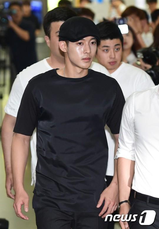 Sao Hàn vẫn mất trắng dù án oan tình dục - Ảnh 4.
