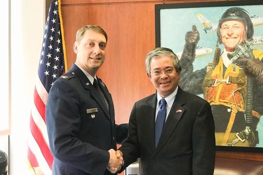 Đại sứ Việt Nam thăm Học viện Không quân Mỹ - Ảnh 1.