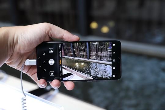 Smartphone P20 Pro 3 ống kính thay thế máy ảnh - Ảnh 1.