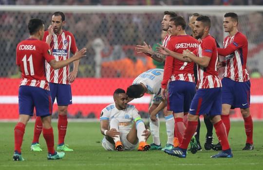 Sợ không dự World Cup, Payet khóc nức nở sau chấn thương - Ảnh 1.