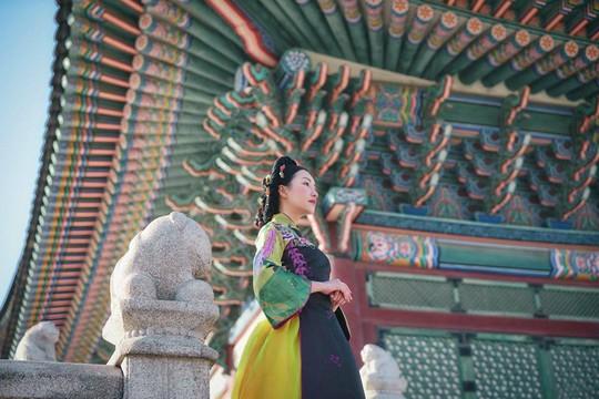 Vì sao Nàng thơ xứ Huế lại hóa thân như thiếu nữ Hàn Quốc? - Ảnh 1.