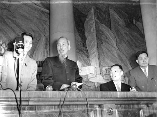 Chuyến đi Nga lịch sử của Chủ tịch Hồ Chí Minh - Ảnh 3.