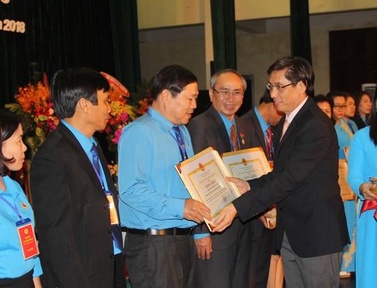 Ông Nguyễn Hòa tái đắc cử chức Chủ tịch LĐLĐ tỉnh Khánh Hòa - Ảnh 4.