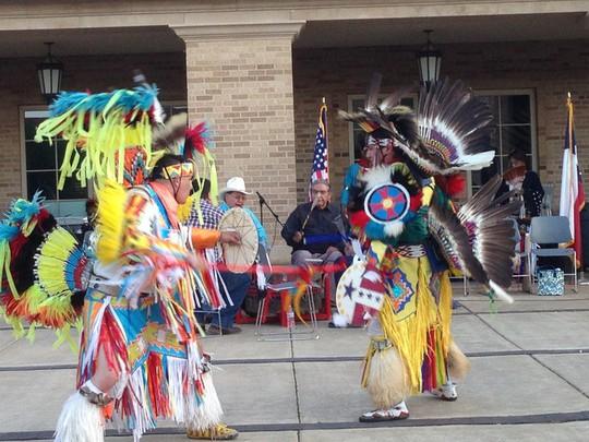 Độc đáo lễ hội 'Pow Wow' của người da đỏ - Ảnh 1.