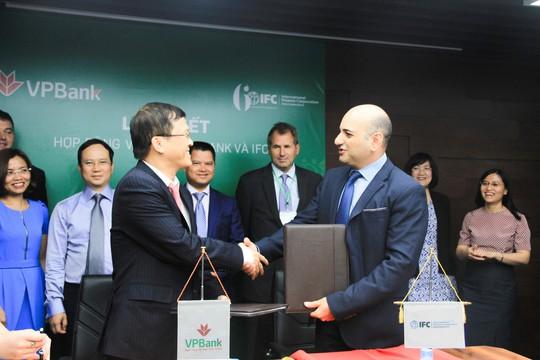 VPBank được Tổ chức Tài chính Quốc tế trao giải thưởng - Ảnh 1.