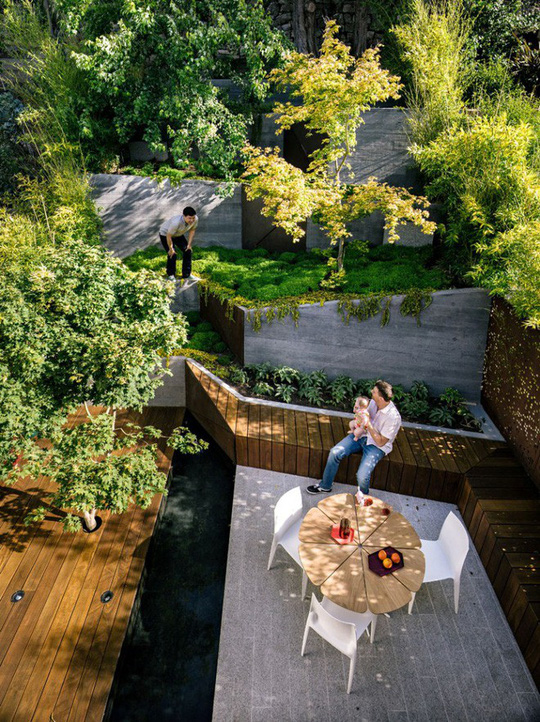 Khu vườn thiết kế kiểu ruộng bậc thang ai thấy cũng mê - Ảnh 2.