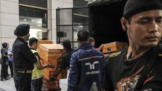 Cảnh sát Malaysia huy động thợ khóa phá két nhà ông Najib - ảnh 1