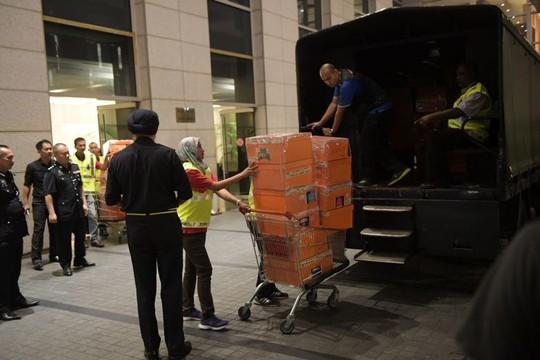 Cảnh sát Malaysia huy động thợ khóa phá két nhà ông Najib - ảnh 6