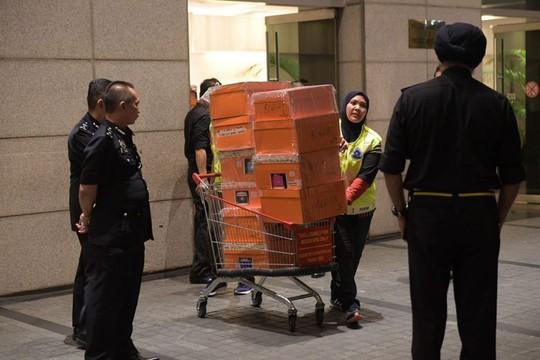 Cảnh sát Malaysia huy động thợ khóa phá két nhà ông Najib - ảnh 5
