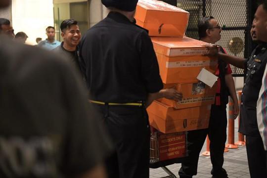 Cảnh sát Malaysia huy động thợ khóa phá két nhà ông Najib - ảnh 4