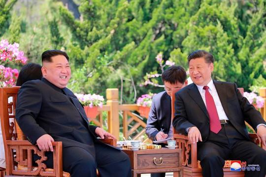 Ông Trump: Triều Tiên dọa hủy họp vì ông Tập - Ảnh 2.