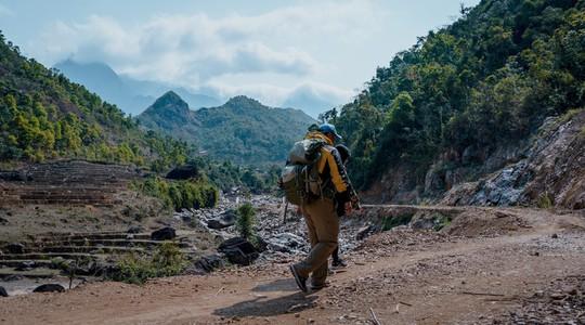 Những cung đường trekking đẹp nhưng nguy hiểm - Ảnh 11.