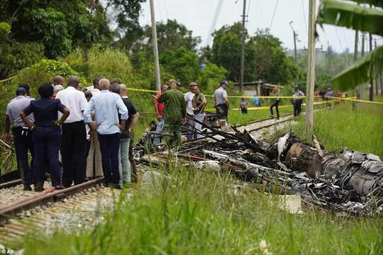 Máy bay chở hơn 100 người rơi và phát nổ ở Cuba - Ảnh 4.