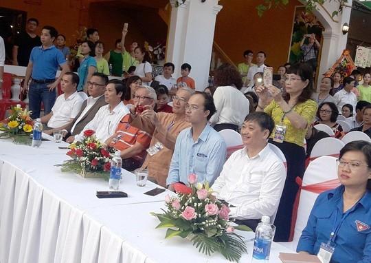 Xác lập kỷ lục Bánh Xèo lớn nhất Việt Nam, phục vụ cho 200 khách - Ảnh 2.